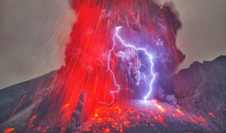 Explosión-de-luz-y-lava